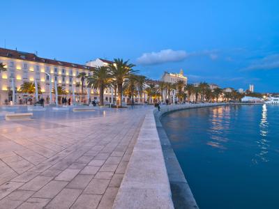 Chorwacja domy do wynajecia nad morzem na sprzedaż letniskowe